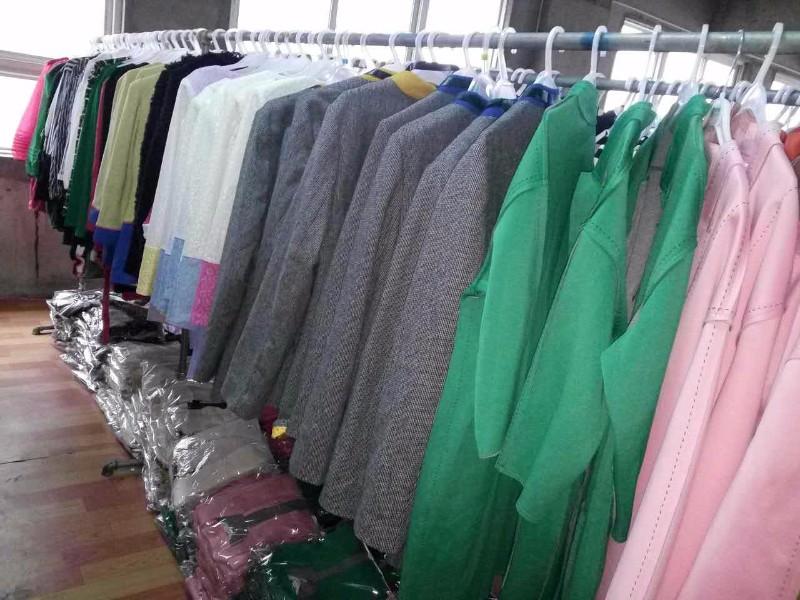 三明南平龙岩哪有便宜尾货服装批发市场哪有品牌折扣服装批发货源