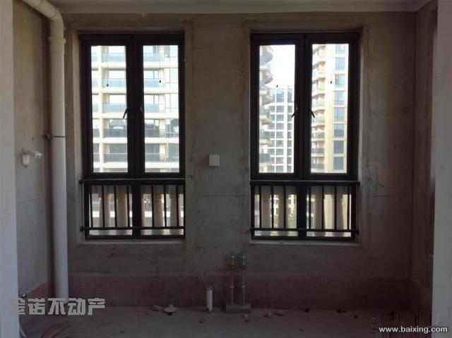 德润绿城百合园9楼130平带储藏室现