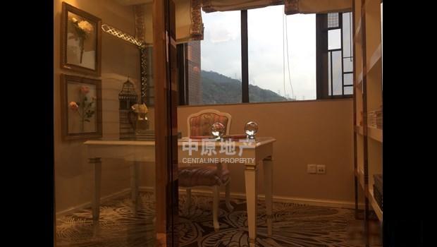 南山脚下中熙君南山 豪华装修三房 环境优雅 温馨住家