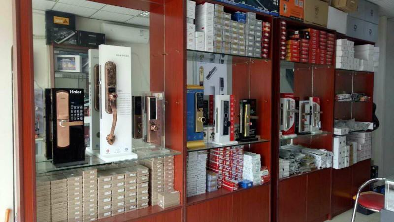 高新区110备案急开锁-换锁芯-安装指纹锁