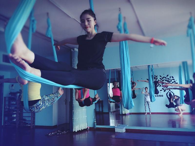 济南瑜伽济南九月空中瑜伽培训 塑形球瑜伽减脂瑜伽瑜伽教练