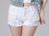 实拍2015夏季韩版钉珠破洞白黑牛仔短裤女直筒修身热裤女潮