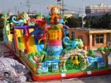 室外大型充氣滑梯兒童蹦床生產廠家