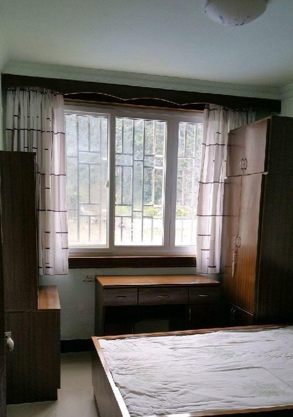 豪华装修,家具电器齐全,拎包入住