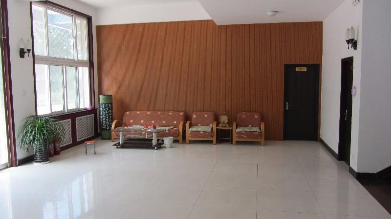 新立小区团结里 5室以上 3厅以上 1200平米 整租