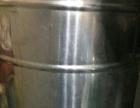 空调(2.5匹)、展示柜(2米的)冰柜,饮料柜、电气面条机