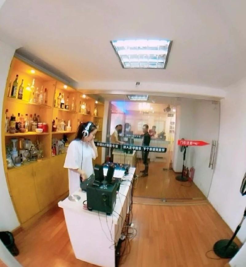 佛山DJ学校,佛山DJ培训基地,佛山DJ打碟培训多少钱