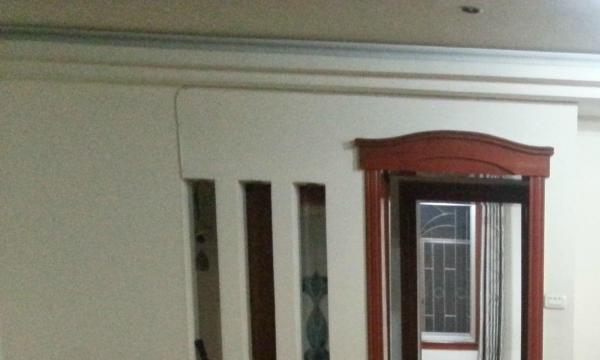 五星步行商业 4室2厅 180平米 简单装修 押一付三