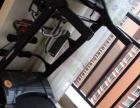 家用跑步机,刚买一个月,价钱2680。安静,没有噪音。非