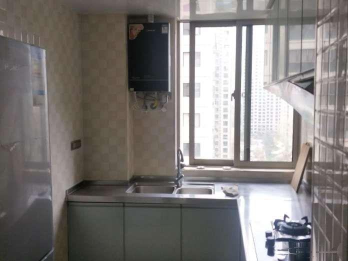 东山大道 BRT旁 山水华庭 精装修电梯两房 诚意出租
