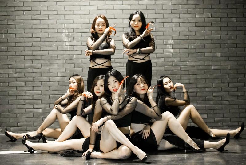 成都吉美舞蹈金沙店专铸成人少儿零基础舞蹈培训