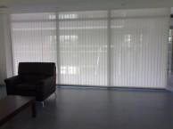 上海南汇区定做窗帘公司 临港泥城工业园区厂房遮阳电动窗帘定做