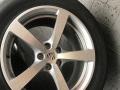 保时捷macan原装18寸轮毂轮胎99新