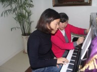 成人钢琴开课啦 只要3999就可以学一年哦!
