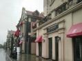 蓝光COCO蜜园小区门口两侧独立铺赠送100平院子