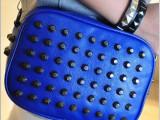 新款包包韩版朋克女包潮流个性铆钉包单肩斜跨荧光链条包 批发