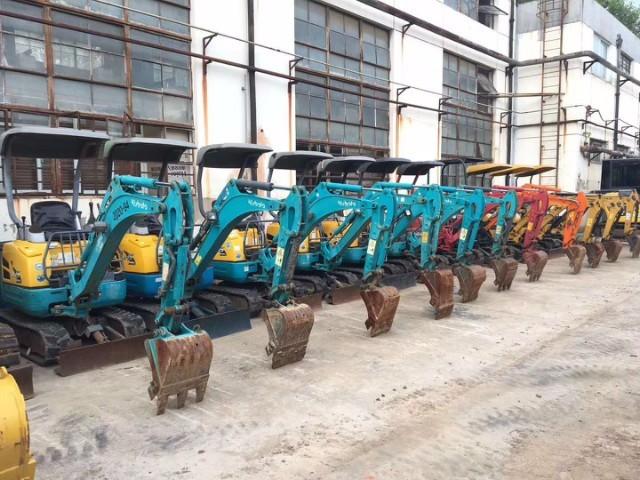 泉州优惠出售久保田-玉柴20,25农用果园小型二手挖掘机