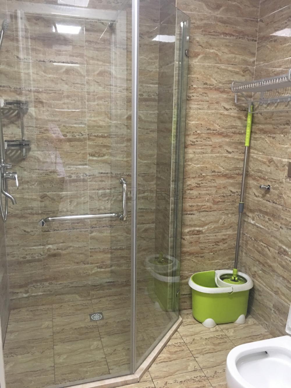 完美个人公寓,湖港名城 1800元 1室1厅1卫 精装修