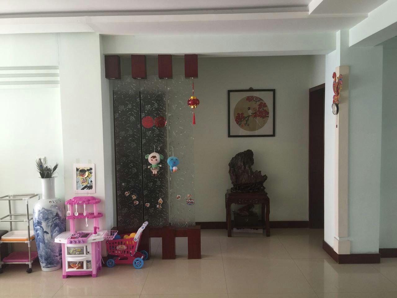 兴庆周边温莎花园12 3室2厅2