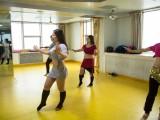 适合成年人简单的舞蹈西安肚皮舞培训班