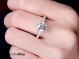 莫桑石好看还是钻石好看 莫桑石d色vvs价格