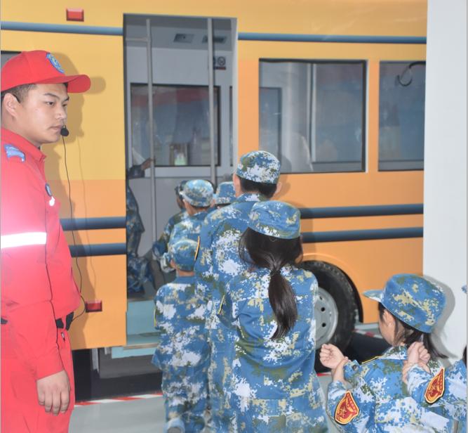 安全自救夏令营2018长阳国际营地