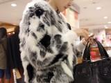 2013秋冬装新款 洋气名媛 黑白灰混合色 人造毛皮草短外套