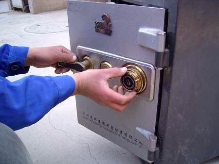 岳麓区上门开锁/换锁/修锁,安装指纹锁,