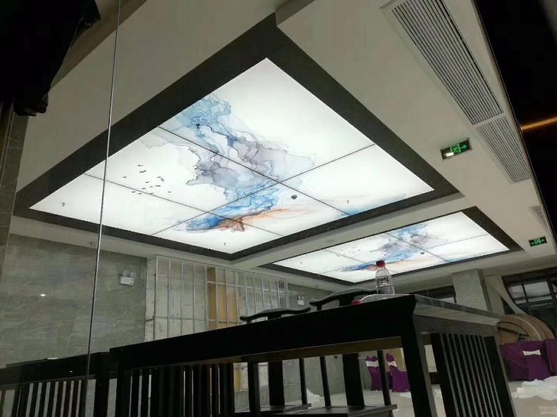 湖南软膜天花吊顶无边框卡布uv灯箱专业龙骨型材提供上门安装