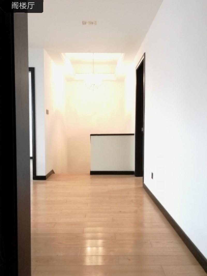 海宁盈都君悦精装修3室 2厅 118平米 出售送车位送地暖~
