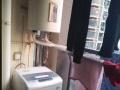 中央城 简装两房 家电家具都有 拎包入住 周围交通便利