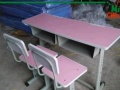 批发:可升批发:可升降学习桌椅 黑白板 中小学生课桌椅 单双
