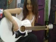 龙华寒假吉他培训班 民治哪里有学吉他小时光琴行