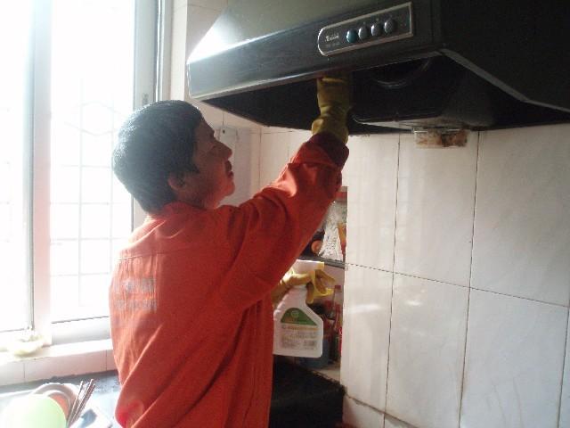 温州油烟机维修家庭油烟机维修不启动噪音大启动慢故障