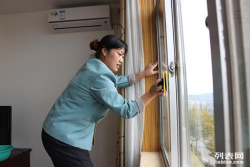 武进区大学城钟点工保洁清洗玻璃清洗13685212050