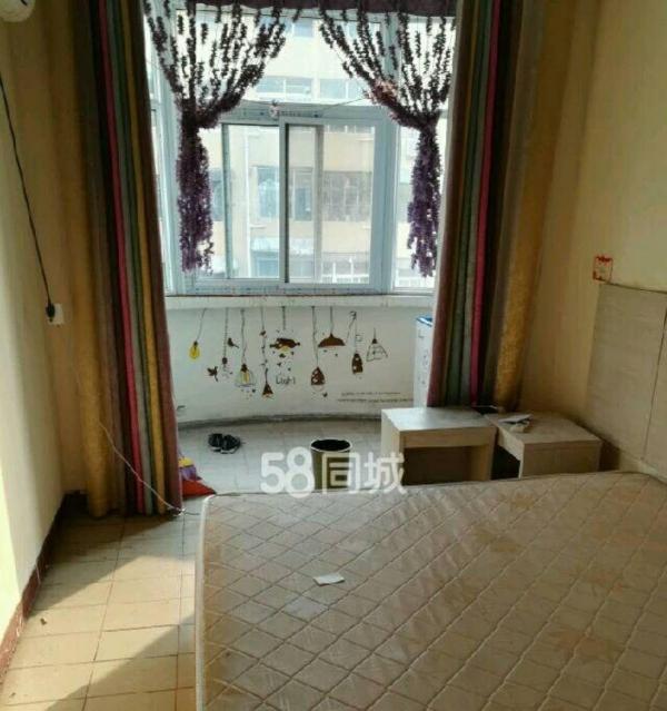 铁西太行小区精装修二室一厅一卫三楼采光充足暖气空调拎包入住