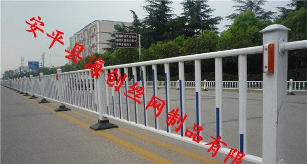 白银市政护栏马路中央隔离栅栏京式交通栏杆公路防护栏