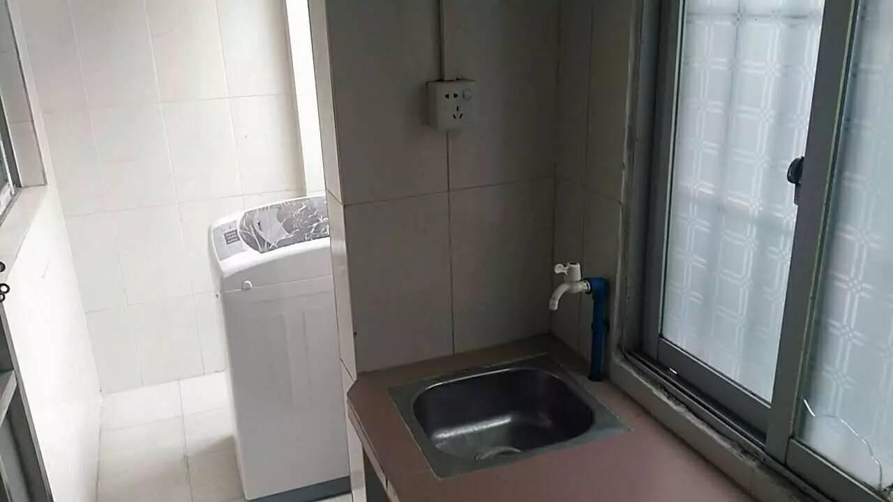 黄村 豪华电梯公寓 马路边1室1厅 精致温馨 适合工薪一簇