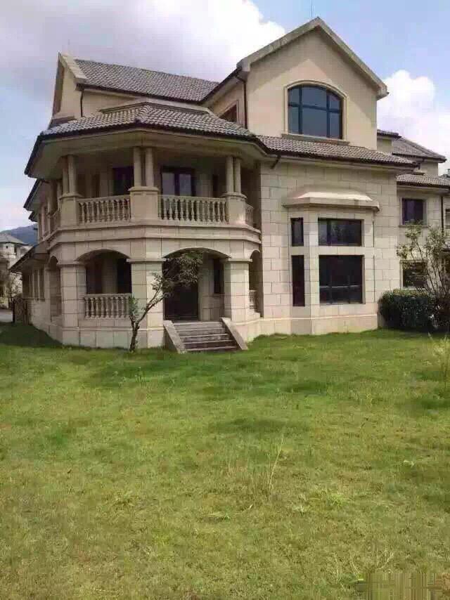 华侨4期独体别墅急售460平送190平地下室花园2.5亩