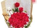 柳州七月花店33朵昆明玫瑰180元起市区内免费配送