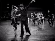 呼市哪能学拉丁舞国标舞哪的拉丁舞较专业呼市灵子舞蹈培训