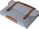 供应现货各种毛毡包 电脑包 手机包 尺寸颜色 款式 都可以定做