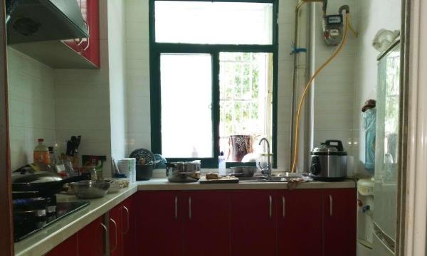 金峡小区精装2房家具家电齐全1800元\月