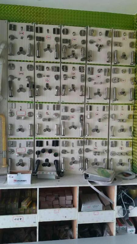 卫生间隔板成型 热压覆膜 剪裁 封边修饰