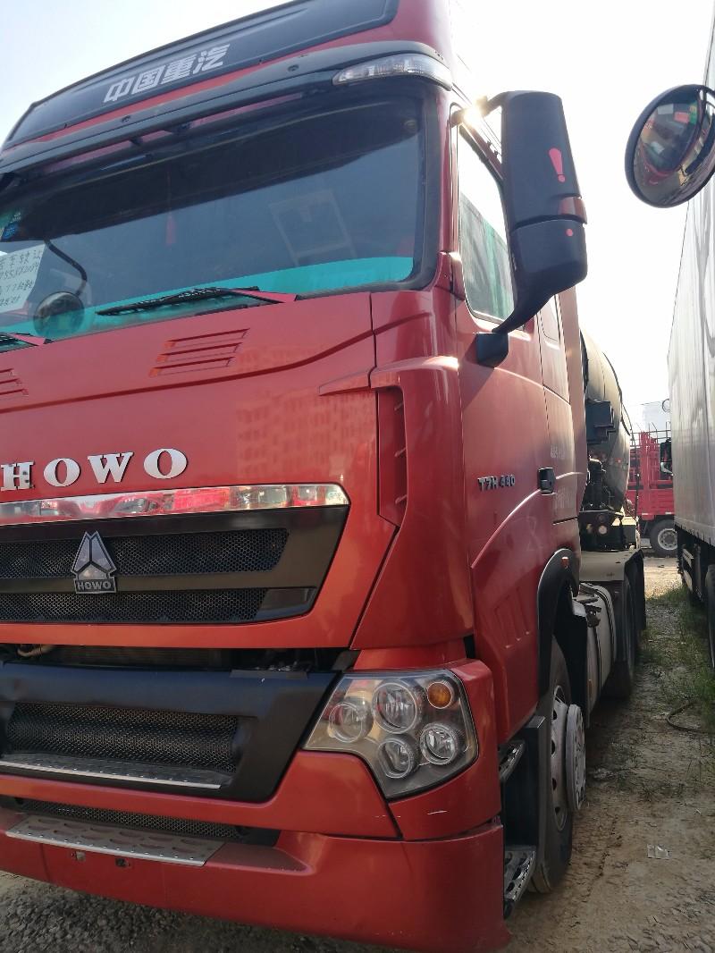 重汽豪沃(HOWO)HOWO T7H牵引车车况好无事故