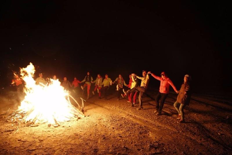 长沙周边企业团建 拓展训练 烧烤野炊 漂流 篝火晚会