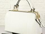 新款爆版欧美风复古OL包休闲通勤鳄鱼纹医生包 手提时尚女包H61