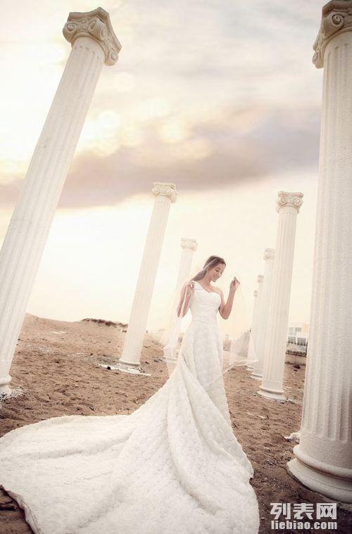 关于青岛圣罗尼亚婚纱摄影
