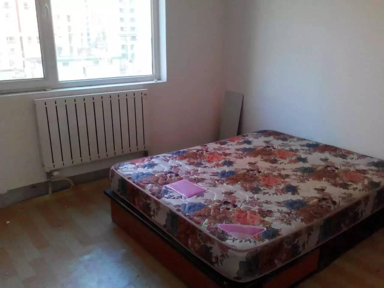 上马台隆泰家园三室,两室出租,拎包入住隆泰家园
