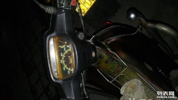 精通天马弯梁110摩托车出售
